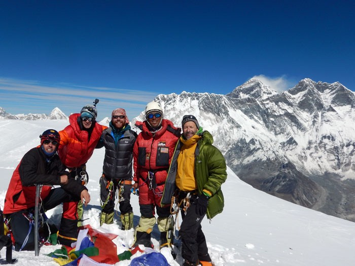 Let's summit together https://t.co/6NGVGgNwwq :  Easy good quality rock and mixed climbing. 1 November 2020 . Asia's most famous rock, ice, and snow peak, Matterhorn of the Himalaya. Come and Climb With Me and Sherpas and Friends.  #AmaDablam #Climbing #Expedition #SummitClimb https://t.co/zMKPMr312m