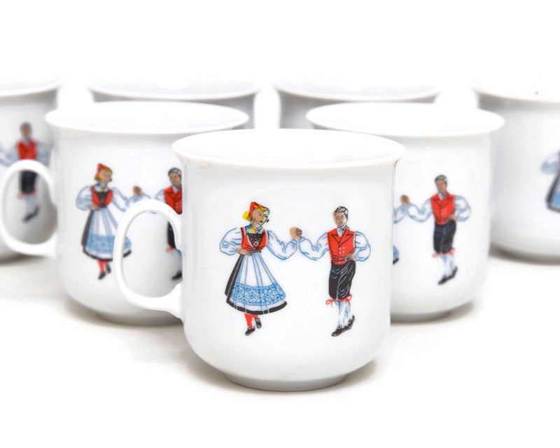 Excited to share the latest addition to my #etsy shop: Vintage Erling Krage Mug Norwegian Mugs Folk Dancers A S Bergen Norway Costumes Coffee Cup Teacup Scandinavian Design https://etsy.me/30unVOw #erlingkragemug #norwegianmugs #folkdancers #asbergennorway #norwaycostupic.twitter.com/d7eMDKF4JA