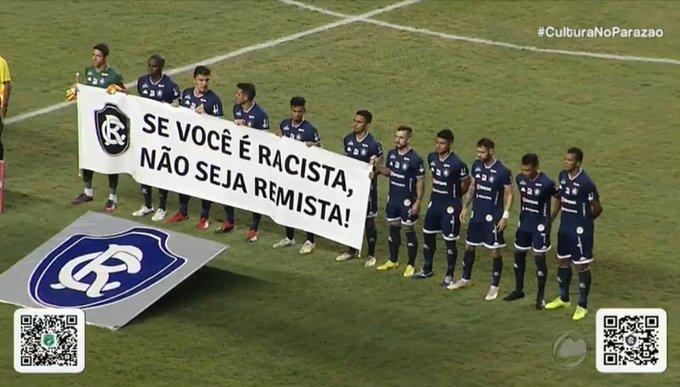 Remo faz protesto contra atos racistas