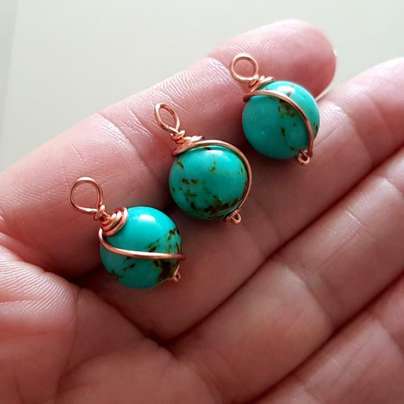From Kalitheo Beadsnwire shop: https://www.etsy.com/au/listing/682992147/copper-wrapped-blue-turquoise-dyed-stone?ref=shop_home_active_25#EtsyFindings… #Findings #Jewellerymaking #Aussie #Handmade #Etsymntt #EtsySeller  #EtsyHandmade #Shop #EtsyShop #HandmadeFindings #EtsySocialpic.twitter.com/uA8IrPGRIi
