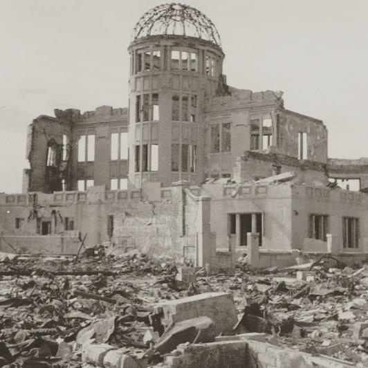 英語 核 爆弾