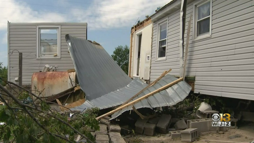 'Thank God I'm Alive' | Maryland Woman Says Radar-Indicated Tornado In Mardela Springs Lifted Home Off The Ground During Tropical Storm Isaias https://baltimore.cbslocal.com/2020/08/05/mardela-springs-maryland-suspected-tornado-tropical-storm-isaias-latest/?taid=5f2ba3699139ad0001b9cdc5&utm_campaign=trueAnthem%3A+Trending+Content&utm_medium=trueAnthem&utm_source=twitter…pic.twitter.com/6rWQdrLZSM
