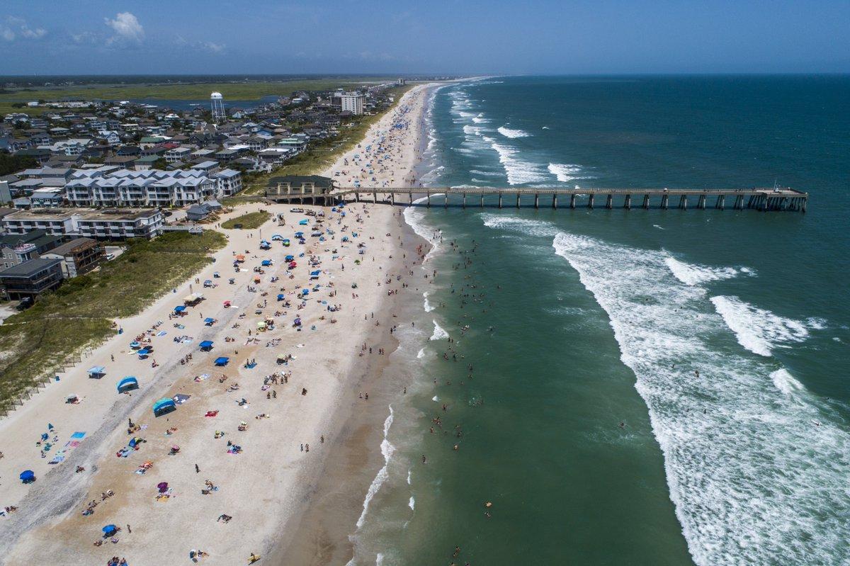 Tropical Storm Isaias could hit the Carolinas at near-hurricane strength http://feeds.foxnews.com/~r/foxnews/national/~3/tTky6aVNDXU/tropical-storm-isaias-strengths-could-hit-the-carolinas-hurricane-strength?O9ukF…pic.twitter.com/SRestTMQTo