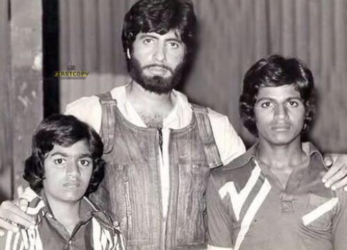 #Shivarajkumar & #RaghavendraRajkumar with #AmitabhBachchan..   #BigB fans.. can you guess which movie #BigB was shooting ??  #Sandalwood #Kannadacinema #Kannadamovies #Bollywood #Bengaluru #Karnatakapic.twitter.com/12k1j2TTV1