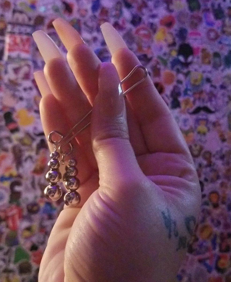 I got new jewelry pic.twitter.com/fLSaGfwxIx