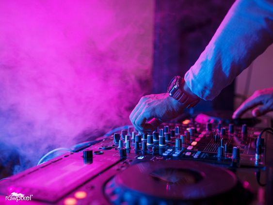 love music http://www.clubdanceradio.org #internetradio #amsterdam #toronto #torontotechno #techno #techyes #techhouse #techhousemusic #techhousedj #techhouselovers #techhousevibe #techhouselife #housemusic #housemusicdj #housemusiclover #housemusicfamily #housemusiclovers #technomusicpic.twitter.com/UsNhxTUtau