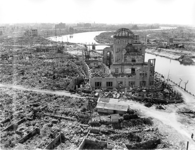 Today marks 75 years since the world's first atomic bomb attack in Hiroshima. As such, commemorative ceremonies are being held across Japan.   The attack on Hiroshima killed 140,000 people. Via @AFP  #Hiroshima #Hiroshima75 https://t.co/qpcBUsb4NR