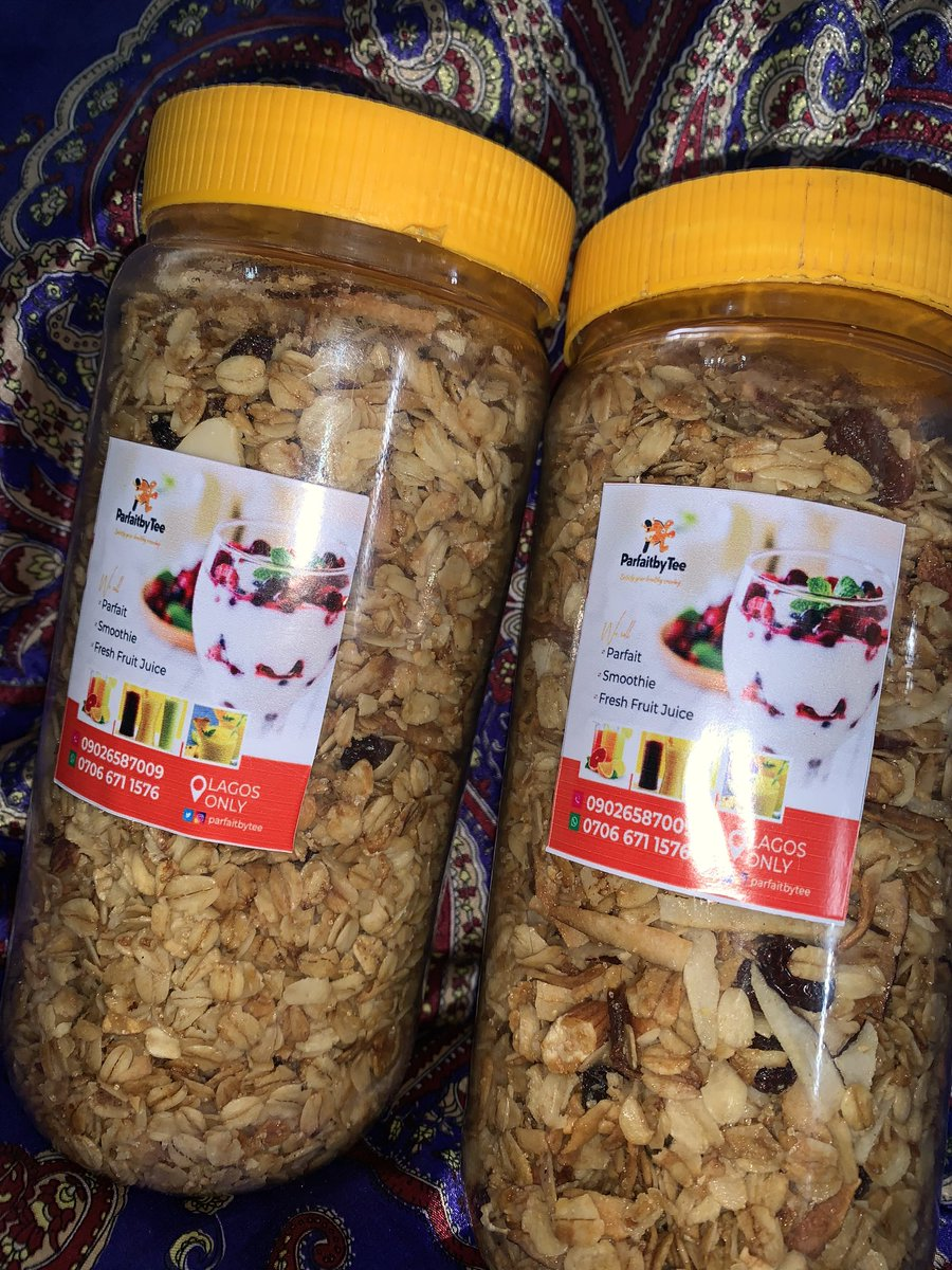 Who wants? Our cup of granola ❤️ So crunchy 👌 You can take it with milk or yoghurt