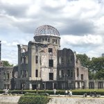 Image for the Tweet beginning: 今思うと、本当に去年行って良かった。絵も描いといて良かった。  うだるような暑さとうるさいくらいの蝉の声の中で、汗を拭いながら夢中でペンを走らせた。  今日は祈りの一日。  #広島原爆の日 #手帳スケッチ