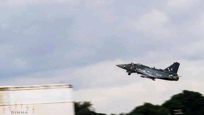 Iaf May Have Another Go At Python 5 Ccm Integration With Tejas Mk1a Indian Defence Research Wing