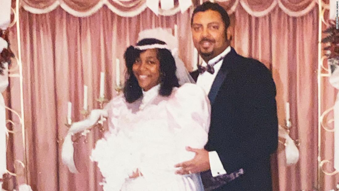 RT @CNN: Best friends, married for 35 years, die from coronavirus just 11 days apart https://t.co/i3ljyyS11x https://t.co/tD6vimqJiW