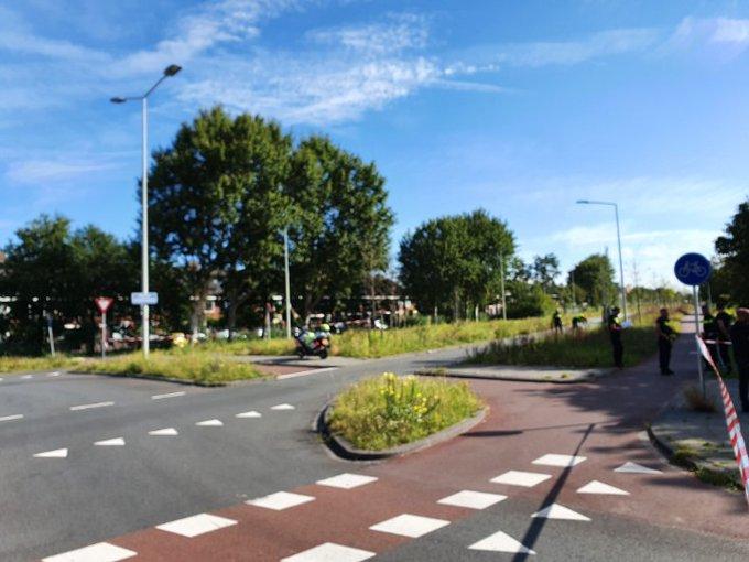 DenHaag Kijkduin. Machiel Vrijenhoeklaan geheel afgesloten na ernstig ongeluk. Fietser /auto. https://t.co/eTmEEyzuIn