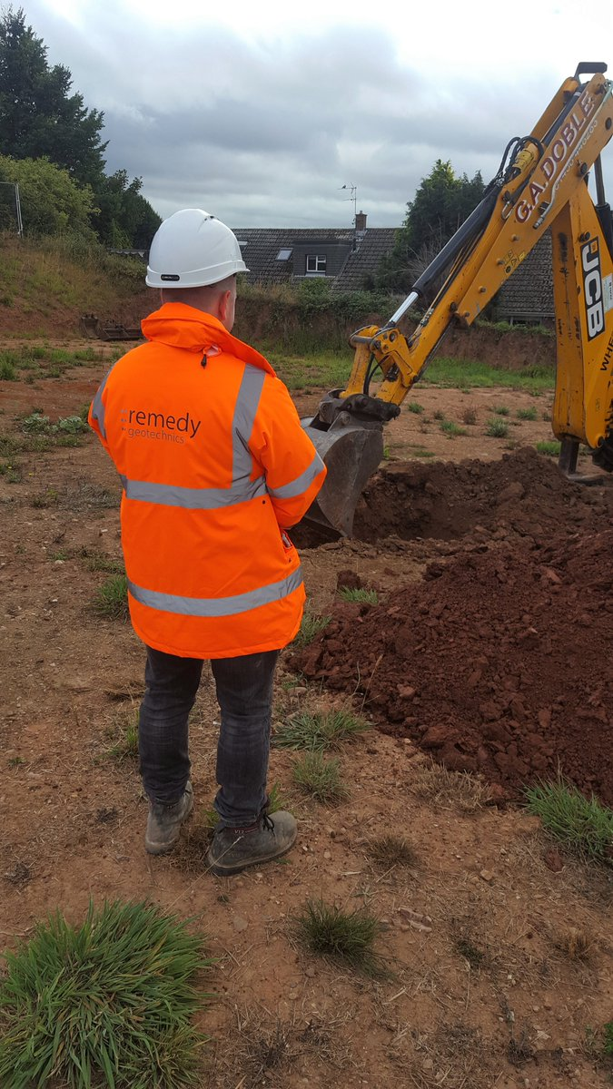We were onsite yesterday for trial pitting & sampling for a new residential development. Remedy is involved with the provision of geotechnical advice to the site developer to assess if any soil improvement processes may be required. #geotechnical #sitevisit #housingdevelopmentpic.twitter.com/bMJjo87t3S