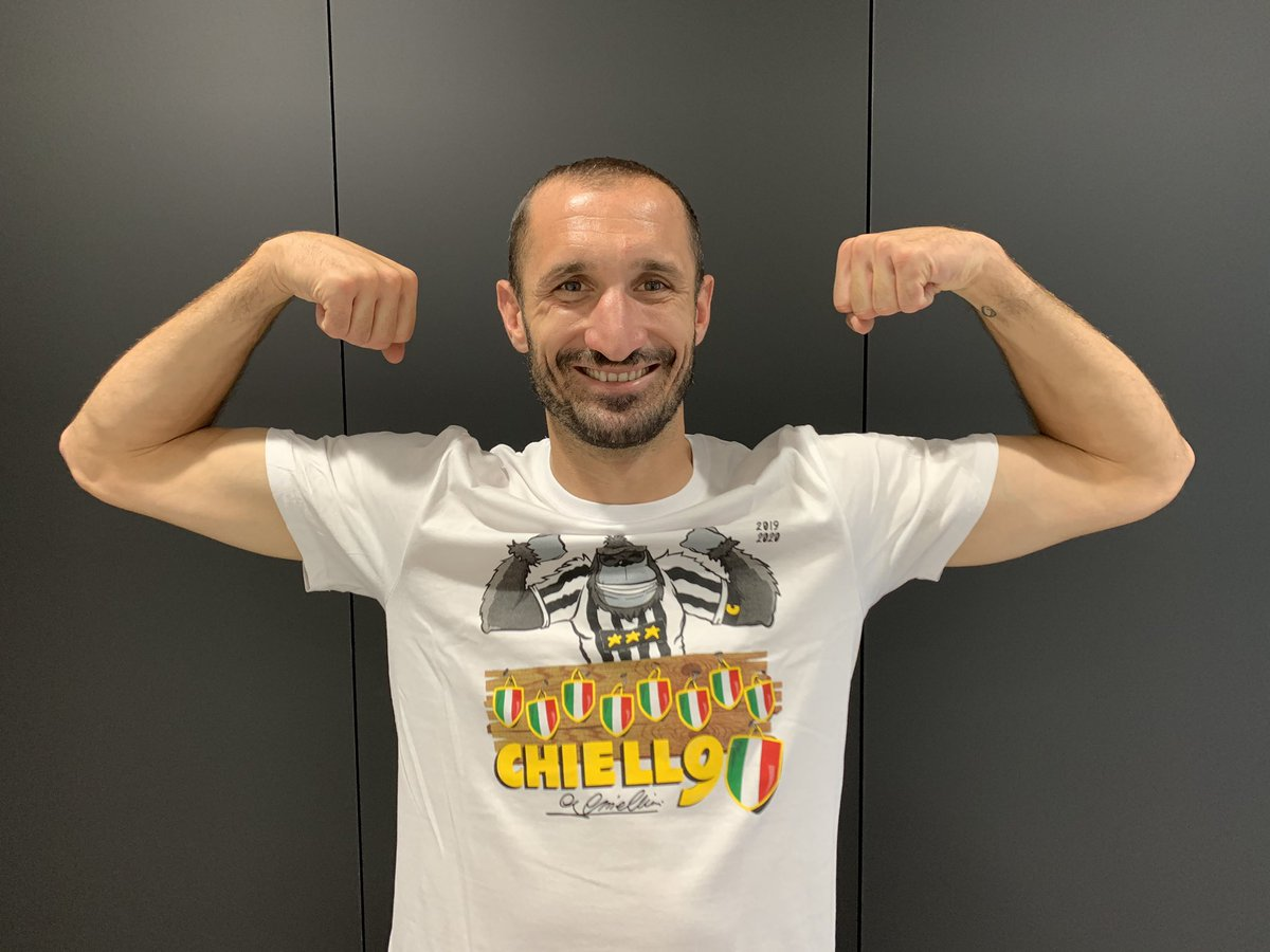 Nono scudetto 👉 Nona t-shirt   Acquistala subito ➡️ https://t.co/NYwW4Wn7n7   #stron9er https://t.co/AYqCKHodW8