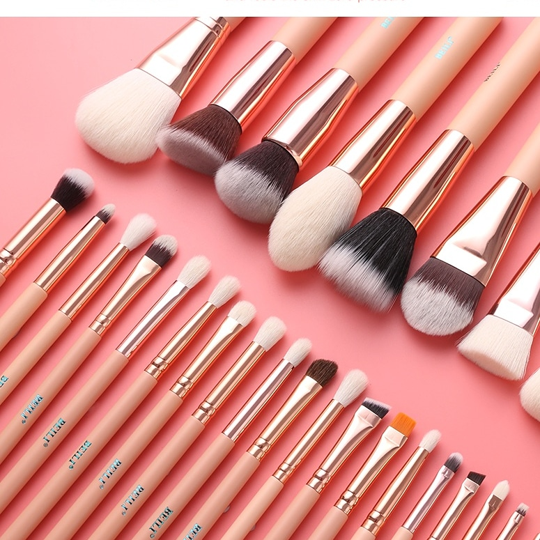 Pink is so beautiful! ! Become your own little princess!https://www.aliexpress.com/item/32829149794.html?gps-id=pcStore… #beilibrushes #beautymakeup #brightmakeup #beautyful #makeup #makeupideas #makeupparty #makeupskills #brush #beautyful #makeupideas #makeupartistpic.twitter.com/oxlPqJmGsJ