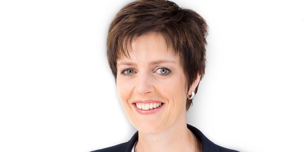 """""""Power auf Dauer - Das Geheimnis für mehr Energie, Achtsamkeit und Erfolg"""" heißt das neue Buch von Gesundheitspädagogin Melanie Kohl. Wir erhalten ein Euro pro verkauftem Exemplar. #alzheimer https://www.alzheimer-forschung.de/aktuelles/meldung/buchaktion-zu-gunsten-der-afi/… pic.twitter.com/hkD4jEUVh2"""