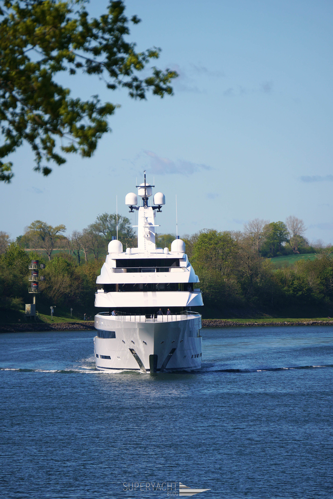 Lürssens latest superyacht Avantage. This 87 meter yacht was delivered just a few weeks ago. #Avantage #Lürssen #BannenbergRowell #SeaTrial #Kiel #KielCanal #superyacht #yacht #yachting #ship #motoryacht #custom #rich #luxury #luxlife #luxurylife #lifestyle #travel#superyachtblogpic.twitter.com/LAtAom5Cgy
