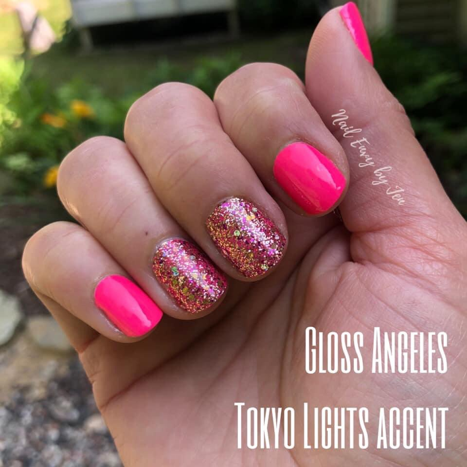 Who doesn't love a #pinkmanicure for summer?! These nails were done at HOME! Zero dry time because they're dry #nailpolish! Link in bio  pic.twitter.com/xXaSWd319u