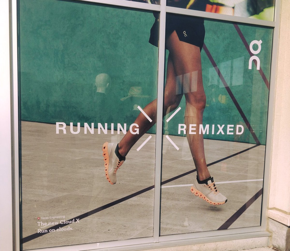 #Runonclouds with @on_running footwear!  . . #onrunning #runonclouds https://t.co/1xSEowtiKx