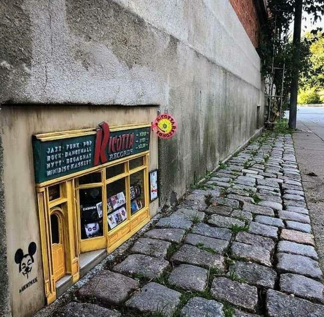 Record shop for mice in Sweden