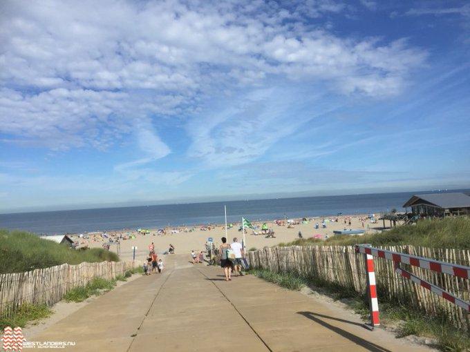 Drukte op het strand https://t.co/z7WggjGdRU https://t.co/O0sGwKx53D