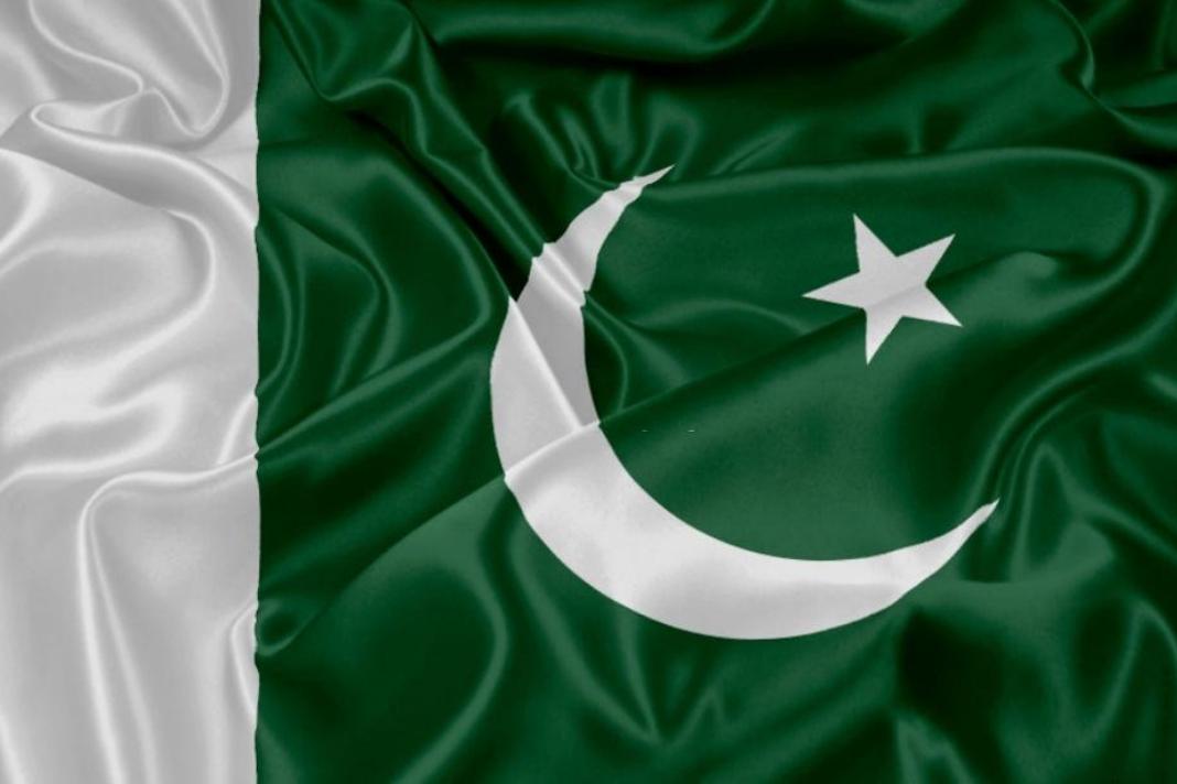 Pakistan Flag History & Who Designed Pakistan Flag Click--> https://bit.ly/33wMmNe #pakistan #pakistanifashion #Pakistanmap #pakistanfashion #pakistanibloggers #pakistanifood #pakistanidresses #pakistanblogger #pakistanijewelery #pakistanpics #pakistanimakeup #pakistanispic.twitter.com/FdMJYNE1V0