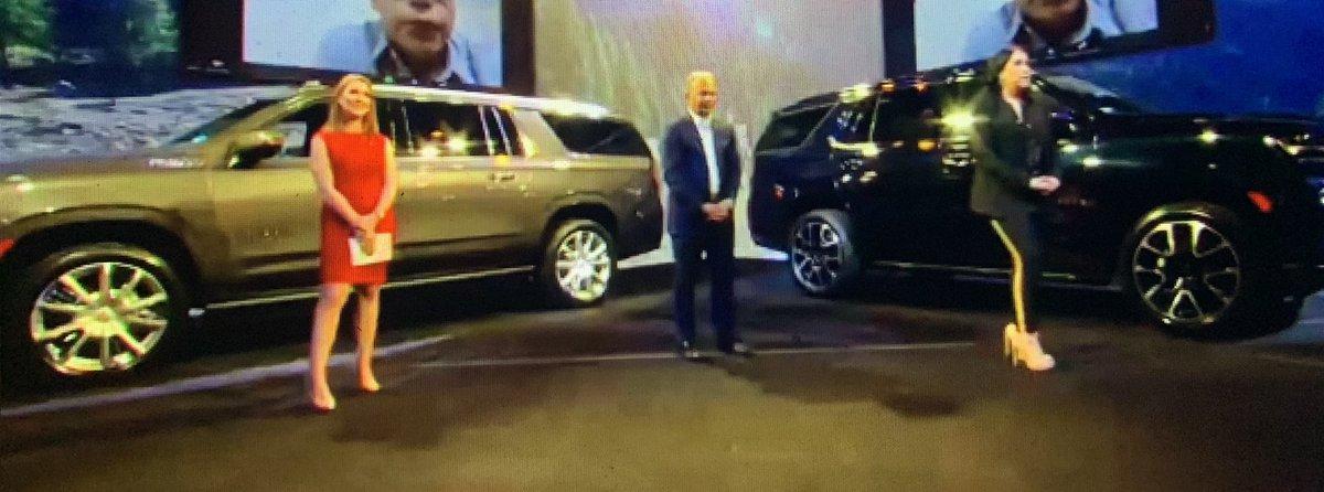 Se presentó Chevrolet #Tahoe2021 y #Suburban2021. Motor V8, 5.3L de 355 hp para versiones RST y para las variantes High Country un V8, 6.2L de 425 hp. Precios desde: $1,226,600 y hasta $ 1,504,700 para Tahoe y para  Suburban desde $1,431,600 y hasta  $1,624,500. @ChevroletMexicopic.twitter.com/4dhXqN1oES