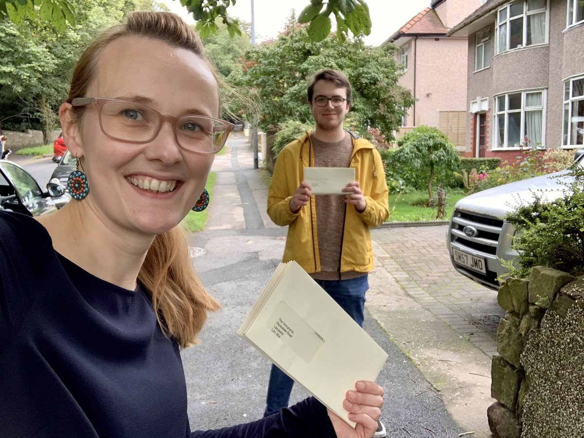 ✅ Wyresdale Road residents' update delivered by hand; thanks to Peter from my team for his help!