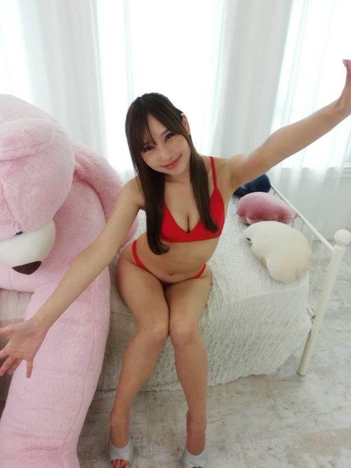 グラビアアイドル真田りなのTwitter自撮りエロ画像12