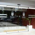 Image for the Tweet beginning: #Boadilla instala puertas automáticas de