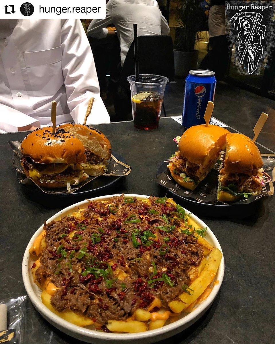 مطاعم الرياض On Twitter Wagyu واقيو شارع الضباب الطلبات Crispy Chicken 31sr كرسبي تشكن Double Beef And Cheese 39sr دبل بيف اند