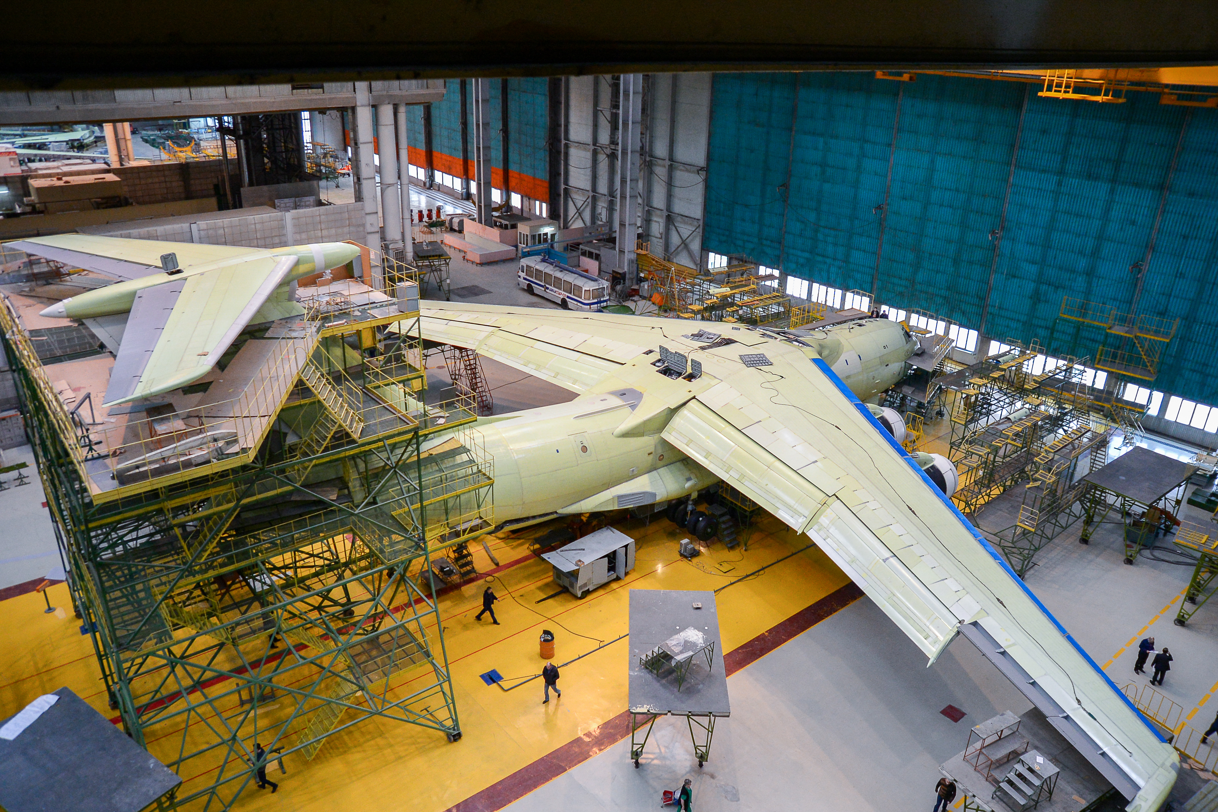 Il-76/476 Military Transports - Page 9 Eevi4PqWsAITPp4?format=jpg&name=4096x4096