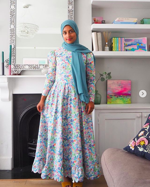 Atia has created this dream outfit using McCalls 8032. She nailed the fabric choice and she even added cute little scallops to the hem, armholes and sleeve hems. We. Are. Obsessed! http://ow.ly/SI0f50AQkKEpic.twitter.com/y22Rf3MMMW