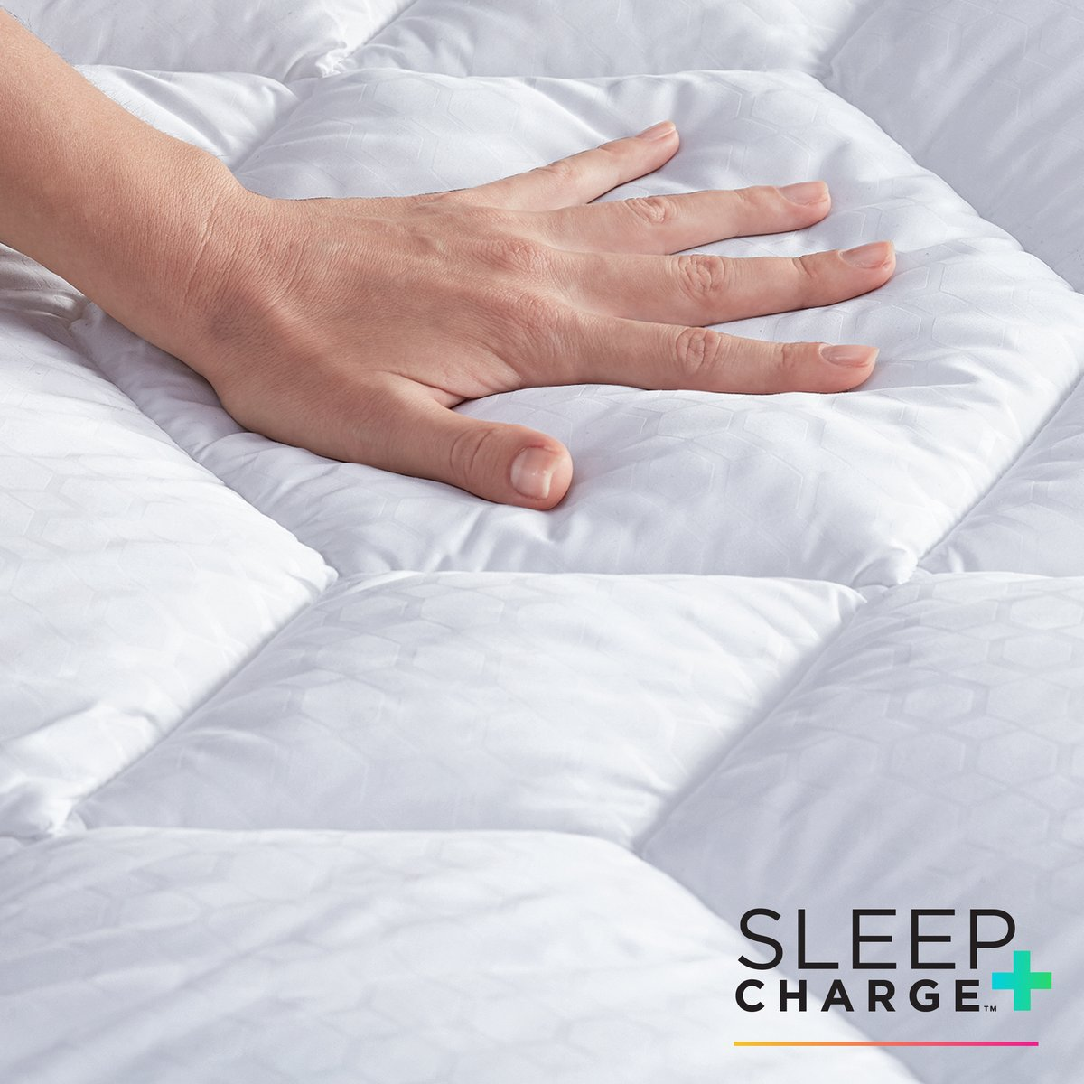 When you use a SleepCharge powered by Nanobionic product, the blend of minerals embedded in the fabric are activated by body heat, also known as energy. SleepCharge returns energy back to you, stimulating local blood flow, which enhances faster recovery. pic.twitter.com/hHGcOTur80