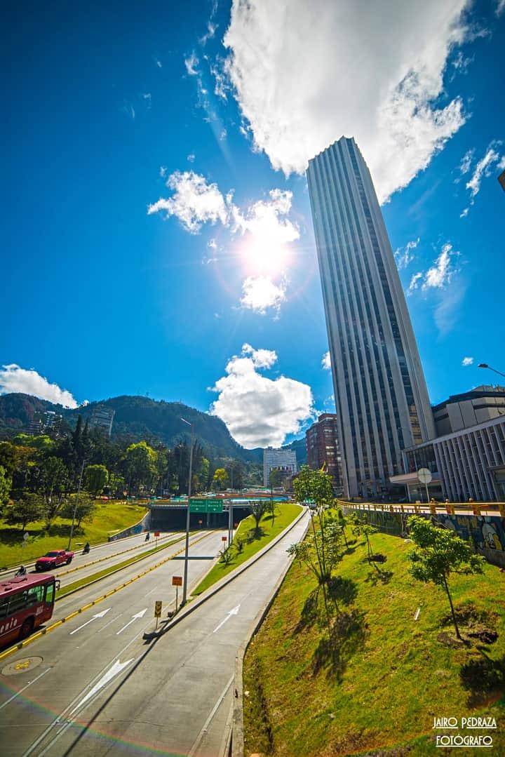 Hoy la ciudad de todos los colombianos cumple 482 años 🌟 Feliz cumpleaños Bogotá, hermosa capital colombiana  🇨🇴 https://t.co/3yyUdKvWNg