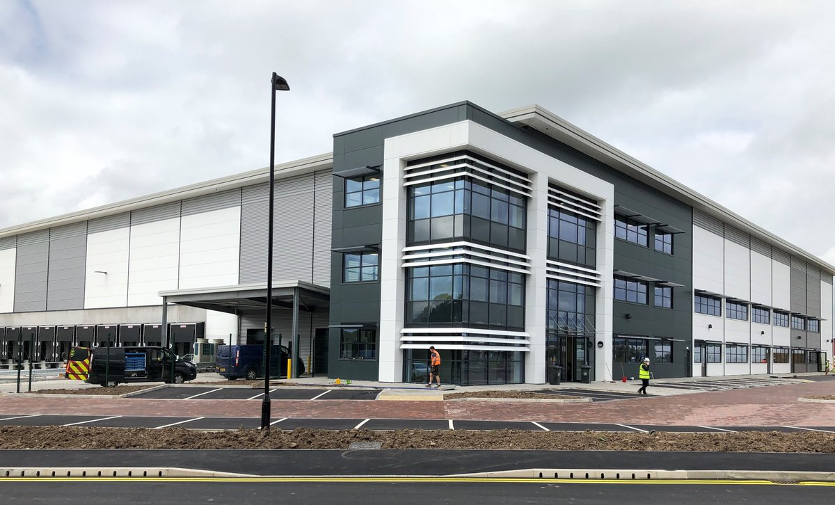 M&E witnessing and final snagging were undertaken at #Unit4 ICON #ManchesterAirport today before imminent practical completion. Congratulations to all the #team involved in this impressive development! #engineeringdifference #BuildingServices #construction  #industrial #offices pic.twitter.com/KpOSWF9eNz