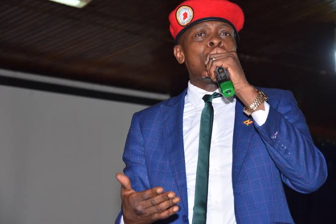 "BBS TEREFAYINA on Twitter: ""Muzeeyi Mpologoma simusanyufu ne Chameleone, Efujjo lingi okuba Lord Meeya #BBSRoundAbout https://t.co/Omss3FGeUE… """