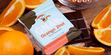 A zesty little chocolate indulgence to enjoy on a summer's evening   Order as part of a mini bar bundle via http://www.gnawchocolate.co.uk #GnawChocolate #Chocolate #Orange #DarkChocolate #NaturalIngredients #Enjoy #Summer #ChocolateGift #Yumpic.twitter.com/2byvSerZf3