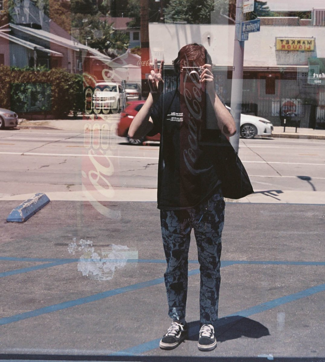 Casual day in LA #35mm pic.twitter.com/S0zs00bNYY