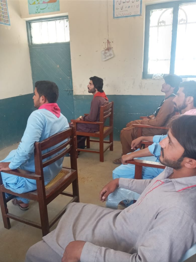 Training and sensitisation session regarding SOPs related to COVID19  for #Scouts and students, Kuchlak, #Quetta #Balochistan #Pakistan.   @worldscouting @FDEGOPOfficial @Shafqat_Mahmood @UNVPakistan @pkBritish https://t.co/IgsiBor14F