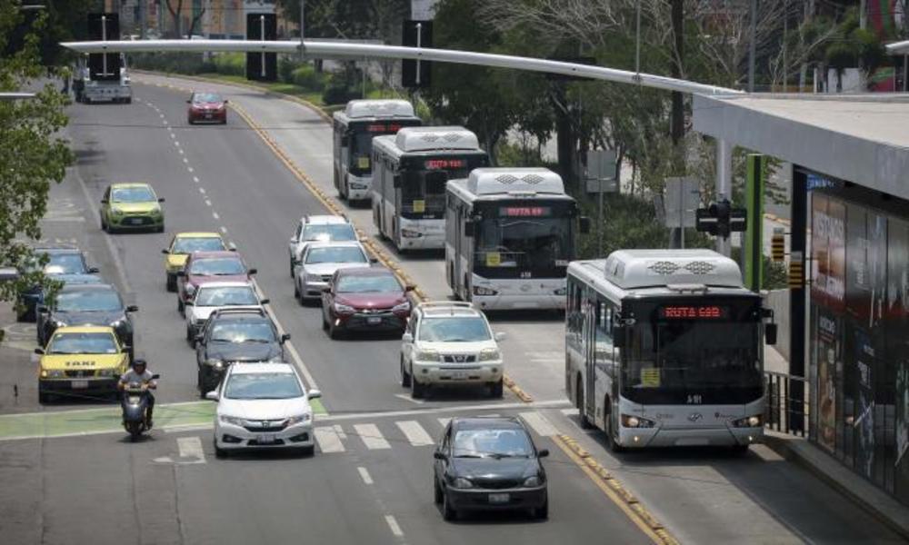 Incrementa movilidad en la capital  En las zonas norte y poniente del municipio de Querétaro, es donde se ha registrado un mayor incremento en el flujo vehicular desde la última semana de junio  https://noticiasdequeretaro.com.mx/2020/08/06/incrementa-movilidad-en-la-capital/…  #NoticiasDeQueretaropic.twitter.com/RKsySn26cf