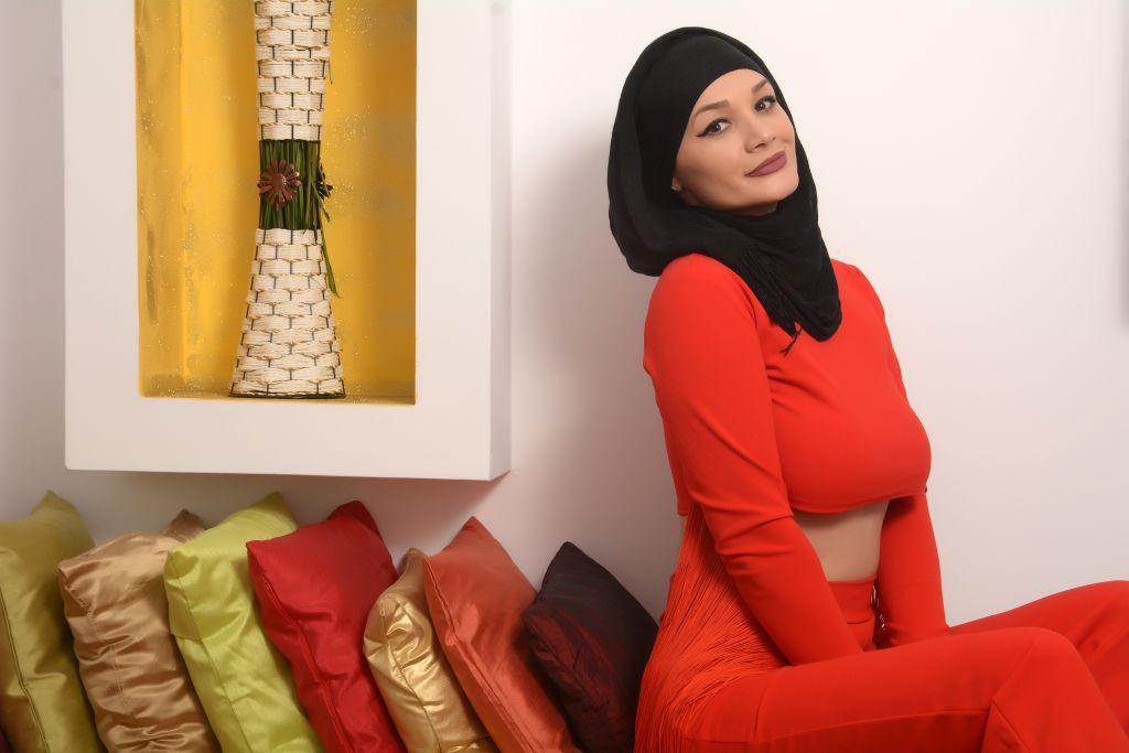 🌹Red Passion 🌹 #RT #followme #arabian #doll #natural #cammodel #goodvibesonly #stripchatlive #womenareArt @stripchat @Hawker881Promo2 @CMP_4U