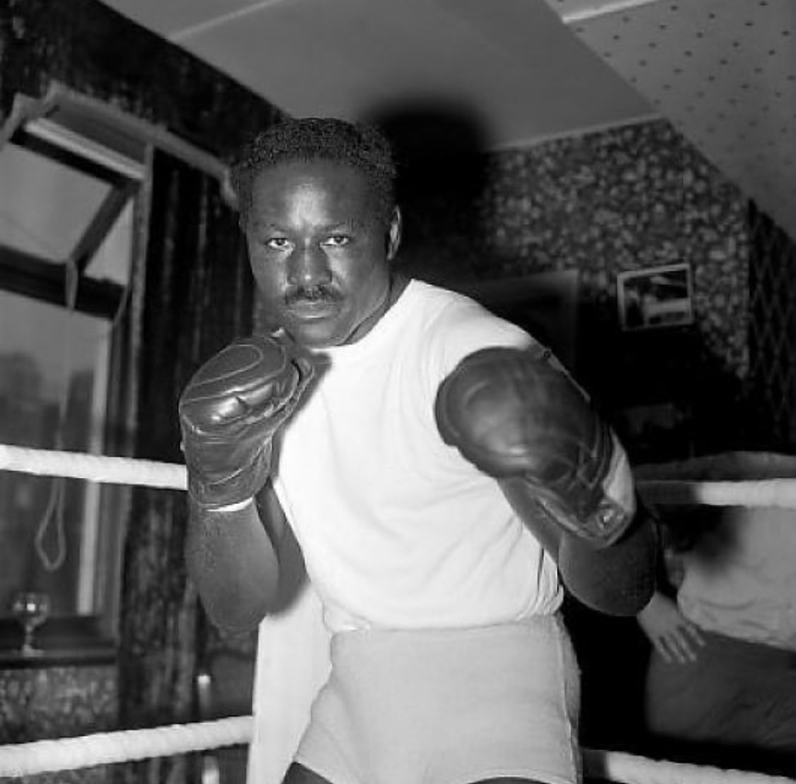 test Twitter Media - The legendary Ezzard Charles, who still, holds the record for the most career victories ever by a past or  present Heavyweight Champion - with 95 career wins. https://t.co/UrQFXKzQPw