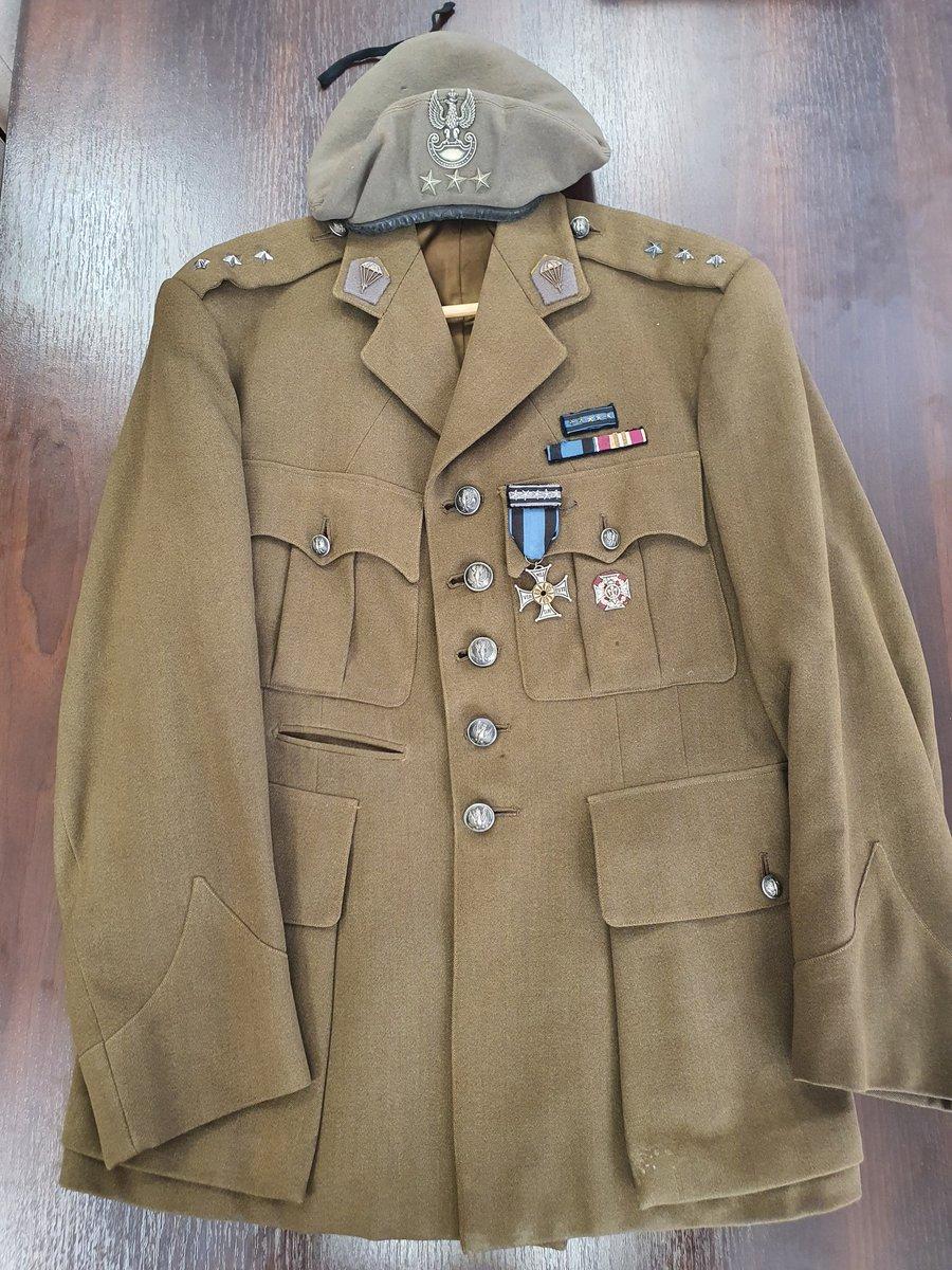 Do @aan_gov_pl trafiła prosto z Argentyny bluza munduru i beret dowódcy batalionu Zośka, Kawalera Orderu Virtuti Militari za Powstanie Warszawskie, hm. płk. Ryszarda Białousa