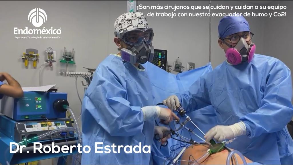 🤪 ¡Nos metimos hasta el quirófano del Dr. Roberto Estrada! 👏 ¡Más #cirujanos comprometidos en el cuidado de todos usando el Evacuador de Humo y Co2! Le deseamos éxito en sus cirugías Dr.  https://t.co/ZsyGU7XgwZ  #endomexico #laparoscopia #cirugia #equipomedico #salud #hospital https://t.co/yxWidgRp3u