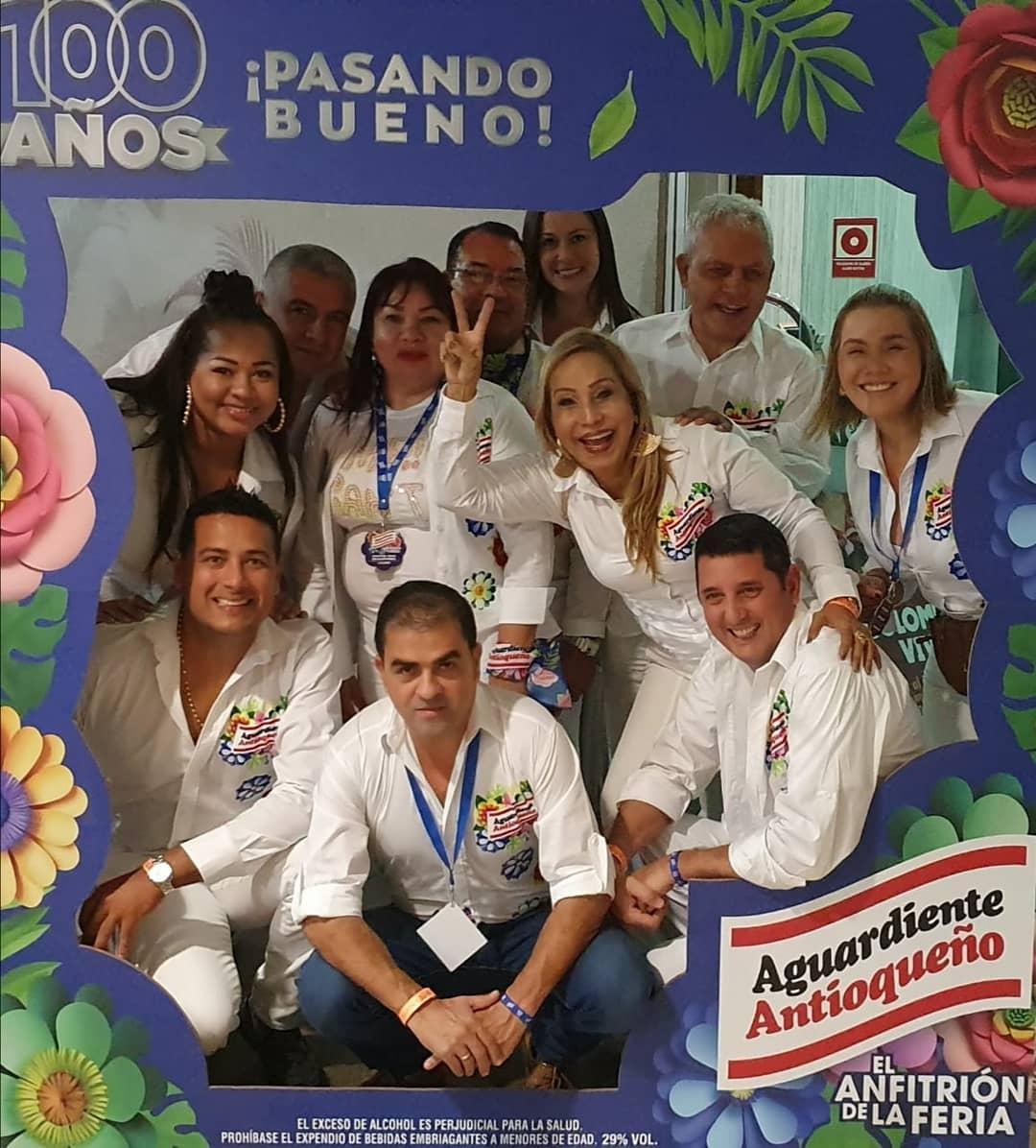 #TBT La #FeriaDeLasFlores 2019 se disfrutó y se gozó  a lo grande en compañía de #ElAnfitrión #AguardienteAntioqueño   Momentos #PaLasQueSea y #PaLosQueSea #EnCasa #QuédateEnCasa #Jueves #Agosto #Montería #Córdoba #Colombiapic.twitter.com/ypmyviGnTP