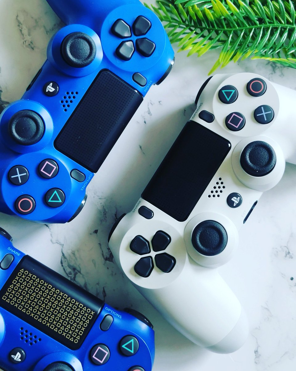 Heading home from work, ready to watch State of Play. How about you?  Enjoy your gaming .  #stateofplay #daysofplay #dualshock #ps4 #playstation4 #playstation #playstationnation #controller #controllers #gaming #gamerpic.twitter.com/tLDBxHVUR5