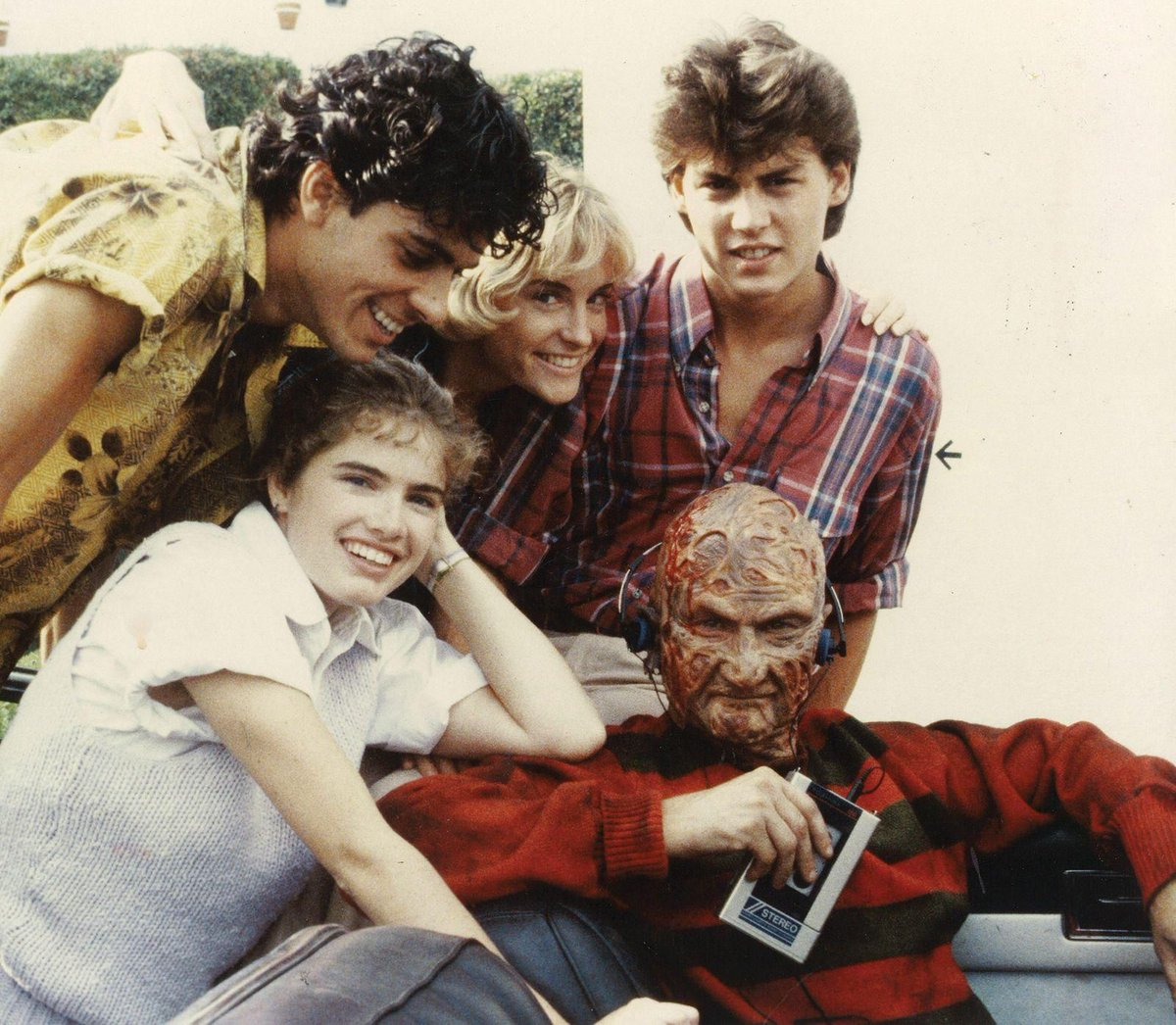 The cast of A Nightmare on Elm Street (1984) #behindthescenes #filmmaking pic.twitter.com/9HUexEGHIe