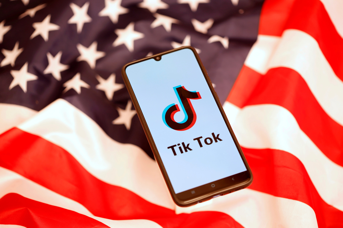 Here's three stories on the US' moves to ban TikTok - taken from our 'Dive Deeper' section:    Today, the US senate has approved a ban of TikTok on federal employees' phones. https://t.co/iGqg0BwFfP Via @Reuters  #TikTok #tech https://t.co/xwCTkIxl7u