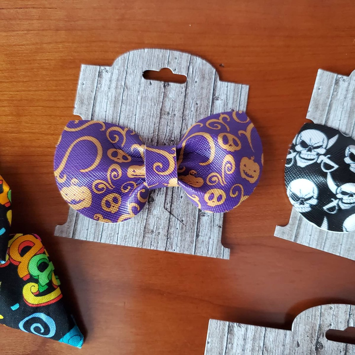 Halloween on my mind.....will there be trick or treating this year?  #Halloween2020 #halloween #SarahBBowtique #hairbows #2020worstyear #COVID__19 #pumpkin  #Purplepic.twitter.com/o8kgZIewNX
